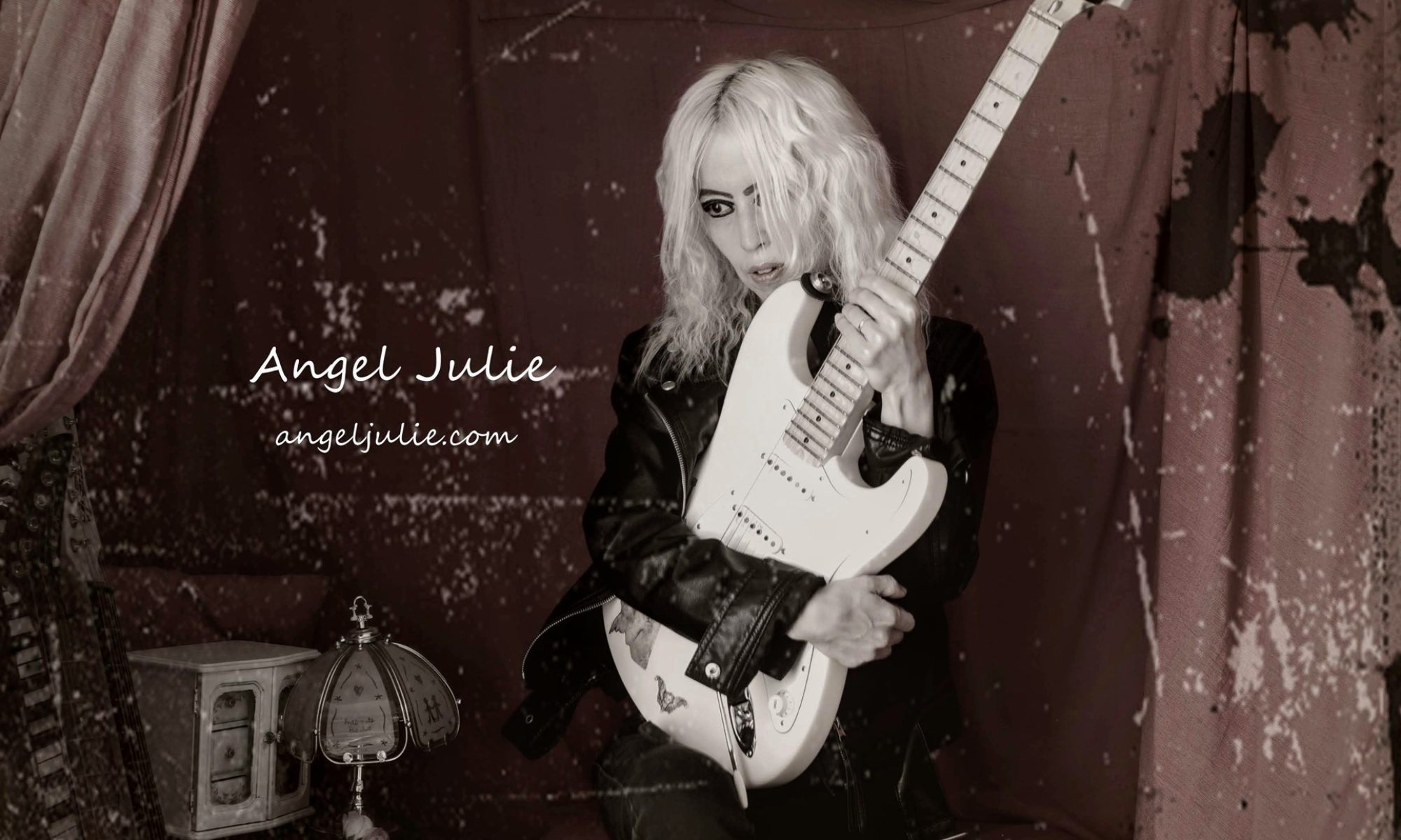 Angel Julie Official site